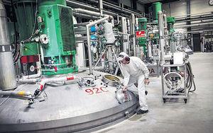 科學家研發新突變酶 10小時極速分解膠樽