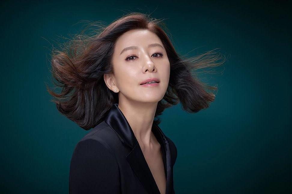 54歲金喜愛《夫妻的世界》飾演火辣人妻 韓國美魔女分享瘦身5招(內附教學)
