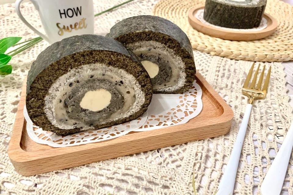 【蛋糕食譜】烘焙達人神還原韓國五層黑芝麻麻糬卷蛋食譜 內有煙韌麻糬口感層次豐富