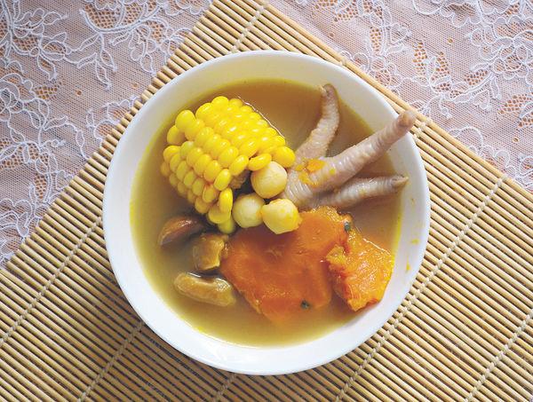 補中益氣湯水:南瓜栗子蓮子雞腳湯