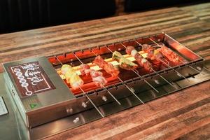 【觀塘美食】觀塘新開懶人自轉串燒放題 $188起任食串燒牛舌/豬腩肉/和牛漢堡/新張每位送半隻芝士龍蝦!