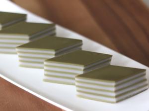 【甜品食譜】4步整出煙韌夏日甜品!香濃抹茶椰汁千層糕食譜