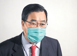 國歌法三讀通過下周刊憲 朱凱廸陳志全潑臭液 會議曾暫停