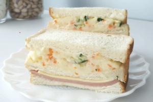 【早餐食譜】簡單4步輕鬆完成早餐食譜!薯仔沙律三文治