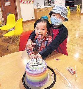 母:全家完整是獎勵 3歲弟救6歲兄 捐骨髓共抗癌魔
