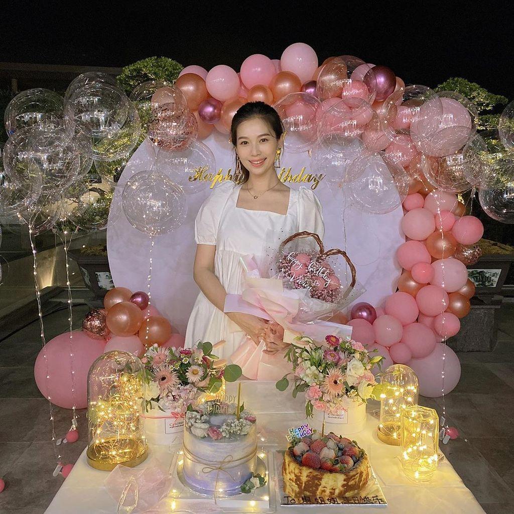 【當媽後首個牛一】楊秀惠生日派對抱囡囡曬「母女裝」 「你就是媽媽最棒的生日禮物」