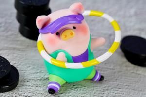 【Lulu豬 香港/Lulu豬哪裡買】肥嘟嘟Lulu豬做運動減豬腩肉! 罐頭豬Lulu穿起運動裝做Fitness~