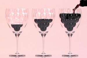 【廚具用品】衝擊視覺與味蕾?!新一代葡萄美酒夜光杯  倒入紅酒即現原串立體葡萄