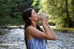 【懶人減肥方法】見字飲水就會自然瘦? 5個喝水減肥減磅功效(內附網絡大熱最佳飲水時間表)