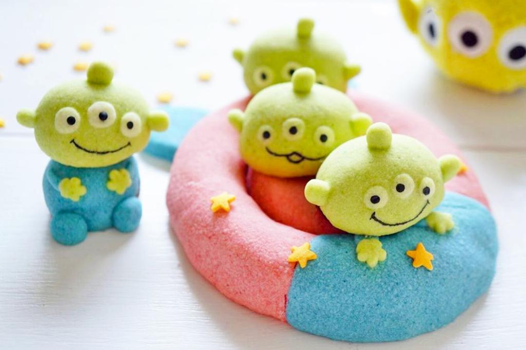 【卡通甜品】反斗奇兵三眼仔變身做卡通甜品 Toy Story千層蛋糕/Macarons/抹茶芝士撻