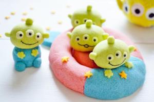 【卡通甜品】反斗奇兵三眼仔變身做卡通甜品 Toy Story千層蛋糕/Macarons/抹茶棉花糖