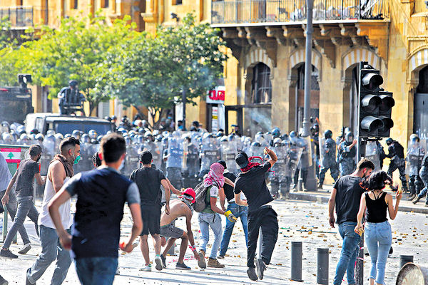 港口大爆炸問責政府 黎巴嫩萬人示威爆衝突