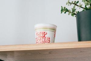 【合味道日本版】日本食物包裝貼心方便設計 杯麵底貼紙用途/牛奶盒缺一角