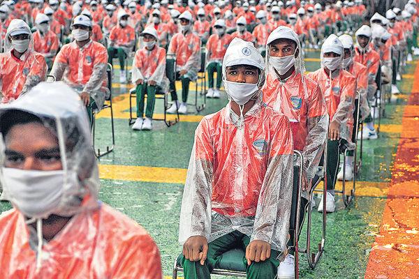 印度破紀錄增6.7萬個案 不丹全國封鎖