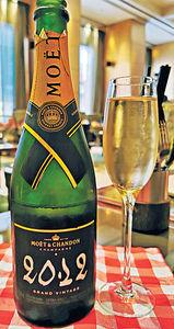 5星酒店 早午餐配靚香檳