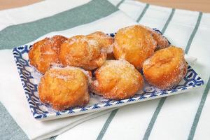 【懷舊甜品】2步超簡單完成傳統港式懷舊小食  外脆內軟沙翁食譜