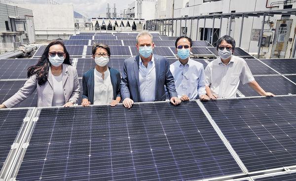 鋪8000太陽能板 科大建環保校園 年產300萬度電 減1500噸碳排放