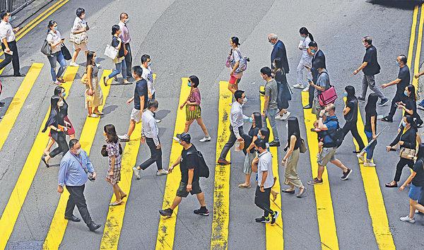 逾7成人工作受影響 工聯會促完善失業援助