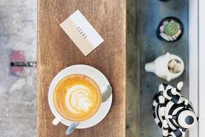 【香港cafe 2020】港九新界8間新開打卡咖啡店精選推介 城市景玻璃窗樓上Cafe/英倫復古風隱世Cafe/日系純白/寵物友善