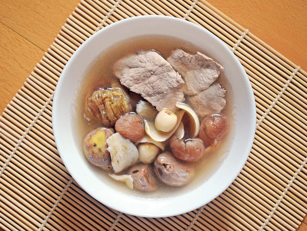 處暑湯水:百合蓮子栗子桂圓湯