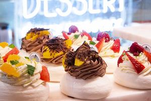 【中環美食】中環新開法式創意甜品店Le Dessert 蛋白餅+瓶裝蛋糕甜品/網店蛋白餅DIY套裝連食譜