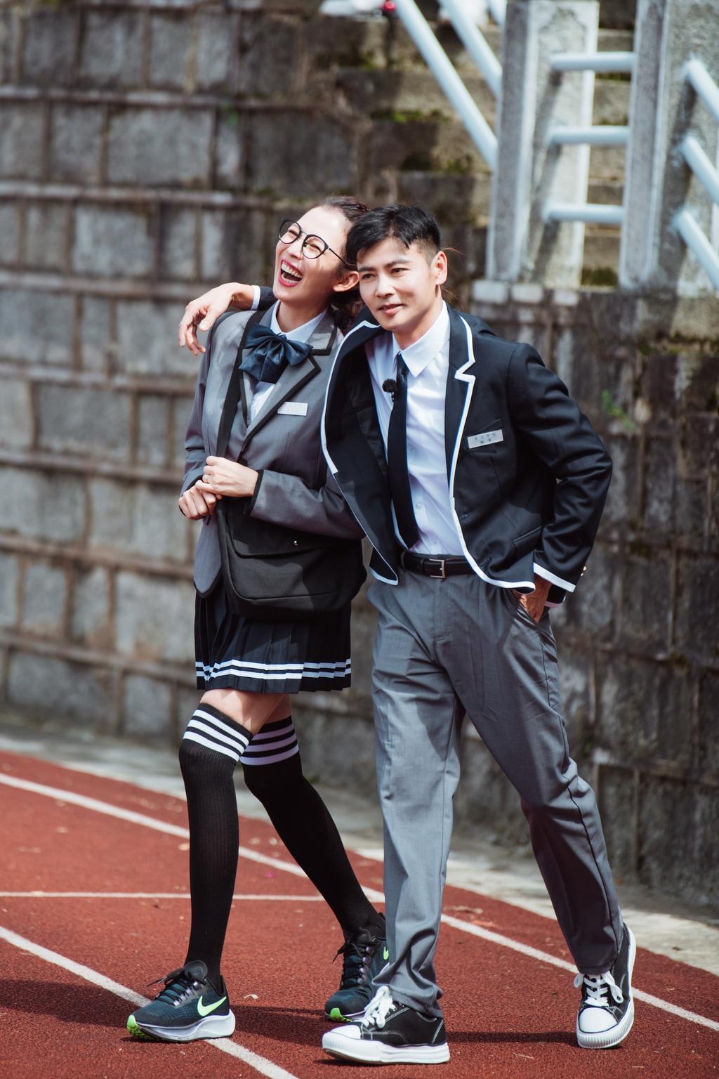 【妻子的浪漫旅行4】46歲蔡少芬扮學生妹回憶拍拖時光 17年前靠煮麵吸引張晉?