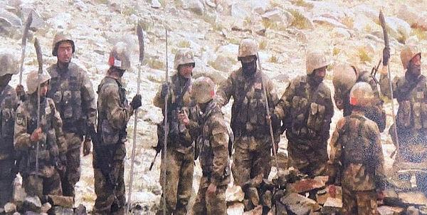 印媒︰解放軍邊境持「關刀」