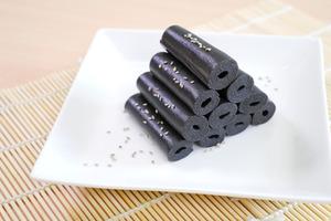 【懷舊甜品】簡單5個步驟整出懷舊小食! 童年回憶香甜芝麻卷
