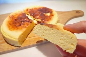 【蛋糕食譜】簡單3種材料就整到!健康零負擔甜品 乳酪梳乎厘蛋糕