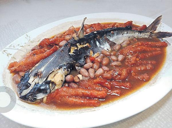 老店倒下#花生鳳爪燜魽魚