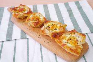 【早餐食譜】3步新手零失敗早餐食譜  酥皮煙肉焗蛋