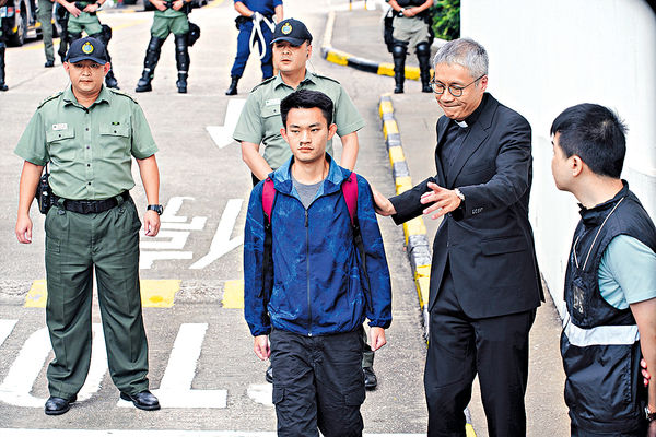 保安局否認有聯繫窗口 陸委會批港府拖延1年 陳同佳律師今晤台當局