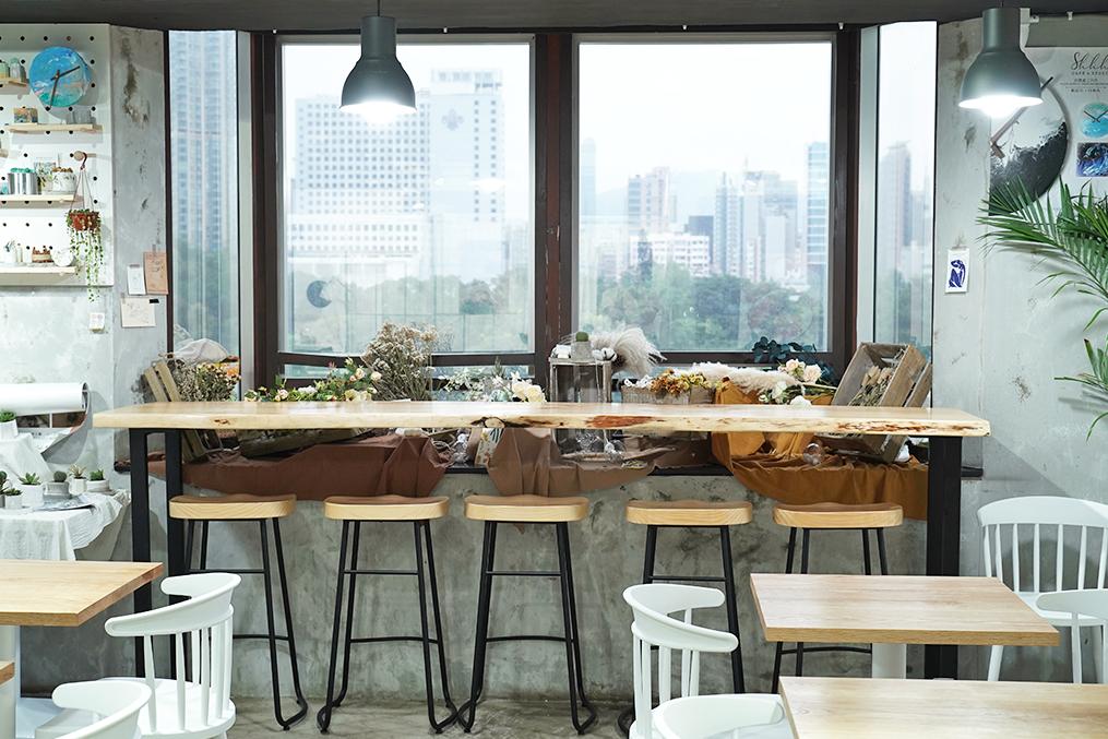 【香港Cafe 2020】香港好去處2020|3間文青打卡甜品Cafe推介 特大玻璃窗樓上Cafe/純白簡約小清新Cafe/日式榻榻米咖啡店