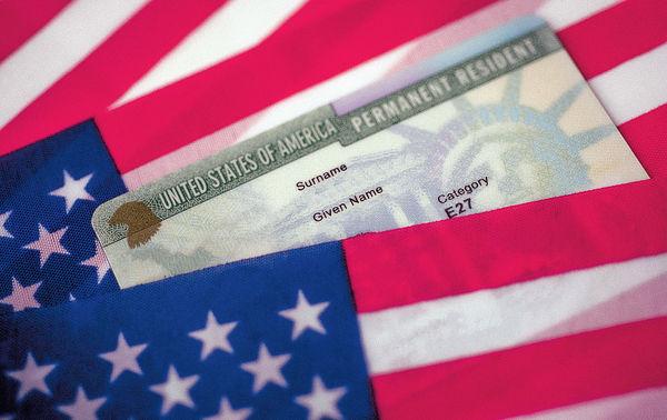 遭美國取消資格 港人抽綠卡夢碎