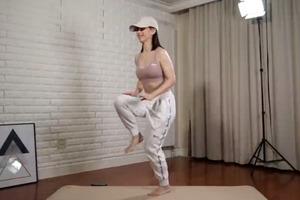 【減肥方法】初學者適用!簡易居家5分鐘減肥減肚腩運動 1個月快速練成馬甲線腹肌