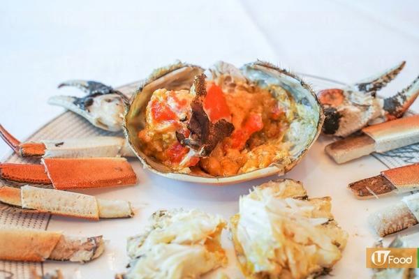 蒸熟後的蟹乸,師傅形容蟹黃較實,咬下去一塊塊的,味道濃郁
