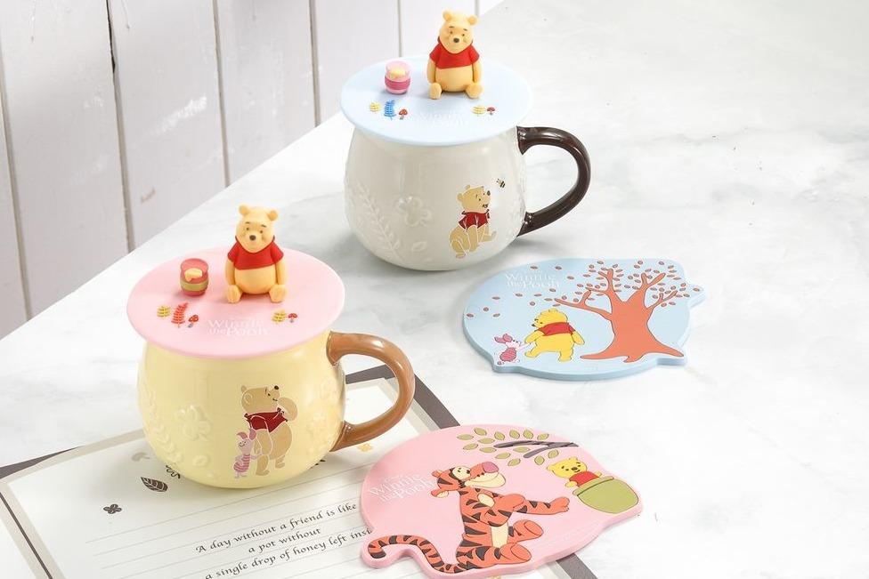 【小熊維尼精品】台灣家品店HOLA聯乘Winnie the Pooh 推出馬克杯/造型點心盤/圍裙/煮食鍋/餐墊