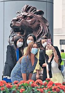 年初遭焚燒噴漆 初步完成復修 滙豐總行銅獅重見天日