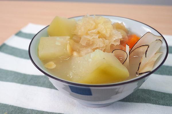 【秋天湯水】皮膚缺水救星!秋冬舒緩乾燥滋潤湯水  木瓜雪耳海底椰湯食譜