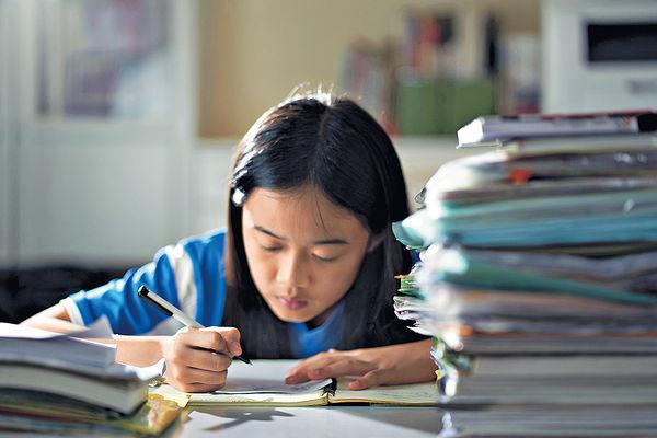 逾半中學生壓力超標 比例近10年最高