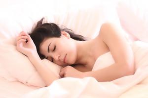 【睡前減肥】台灣醫生睡前這樣吃助眠不怕胖! 5種睡前必吃瘦身減脂營養素