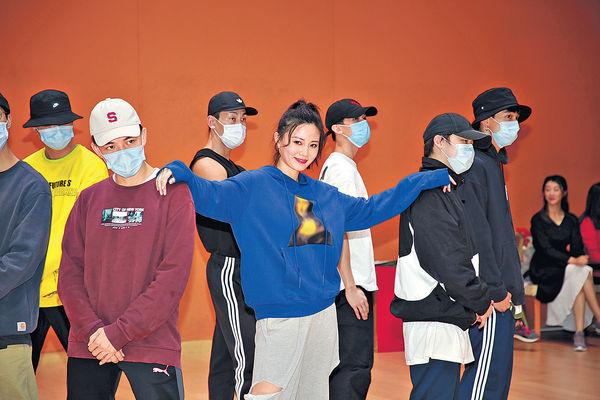 朱晨麗跳K-pop挑戰自己