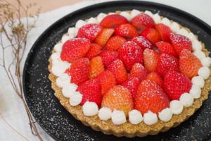 【甜品食譜】簡單4步做到夢幻打卡甜品 足料免焗士多啤梨芝士撻食譜