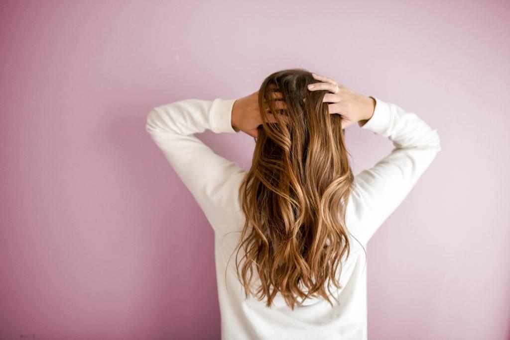 【脫髮原因】頭髮稀疏可能血氣不足! 一文睇清脫髮原因+防脫髮方法+湯水食療推介