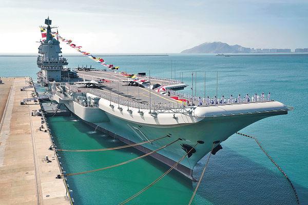 山東艦穿越台海 台軍8機6艦追蹤監控