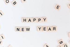 【各國新年習俗】世界各地新年習俗大不同 12粒提子倒數/日本人食冷菜/希臘金幣蛋糕