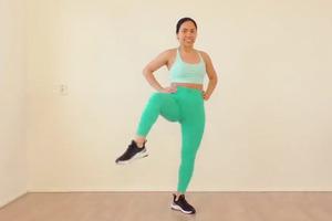 【減肥運動】居家8分鐘簡單零器材瘦身操 9個動作快速減肚腩瘦臀