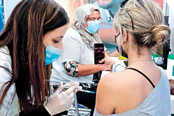 無病無痛 葡護士打輝瑞疫苗後猝死 多國缺貨 擬延注射第2針