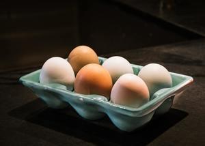 【雞蛋營養】白雞蛋一定比啡雞蛋更好味?食安中心解構雞蛋5大常見迷思