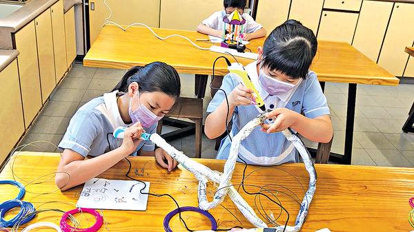 西灣河港鐵站展出學生3D立體藝術品 創意無限